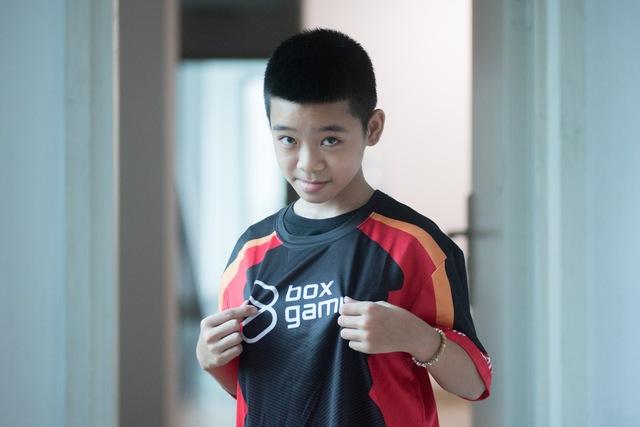 Thần đồng PES 12 tuổi gửi lời thử thách đến hai tuyển thủ bóng đá Việt Nam - Ảnh 2.