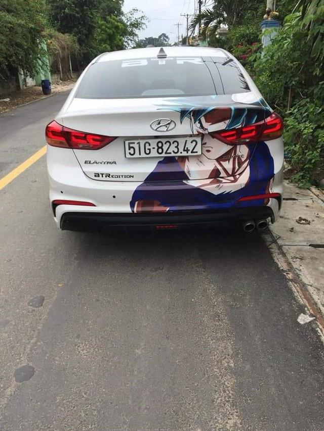 Xuất hiện hàng loạt ôtô dán decal Dragon Ball bon bon trên khắp tuyến phố Việt Nam - Ảnh 5.