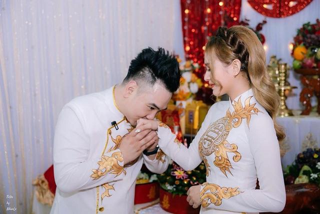 Chuyện tình Xemesis và vợ trẻ 2k2 trước thềm siêu đám cưới: Chênh nhau 13 tuổi, gặp không ít thị phi nhưng vẫn về đích an toàn - Ảnh 15.