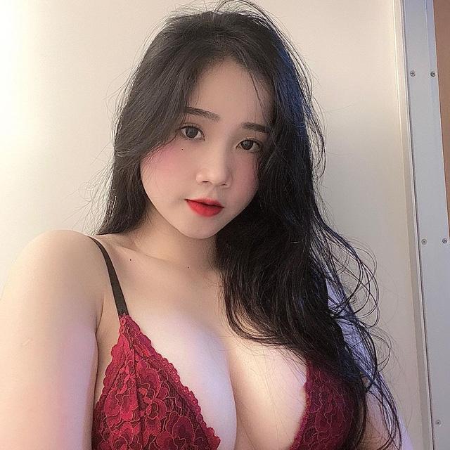 Trần Thị Ngọc Nhi, cô nàng hot girl đang gây bão với vòng một 1m của mình Photo-1-1606794675174110691553