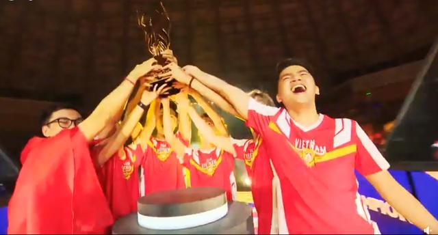 Team Flash sở hữu thế hệ vàng của Liên Quân VN.