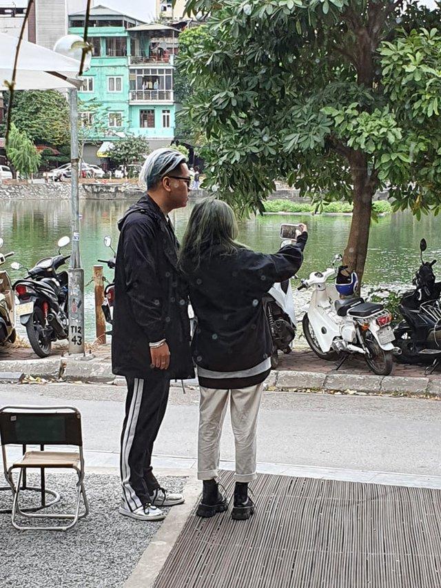 Bắt gặp Alice xuất hiện tại Hà Nội cùng người yêu