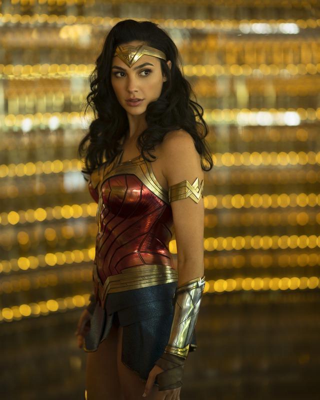 """Cẩm nang cần biết trước khi ra rạp gặp chị đại DC trong bom tấn """"Wonder Woman 1984"""" - Ảnh 1."""
