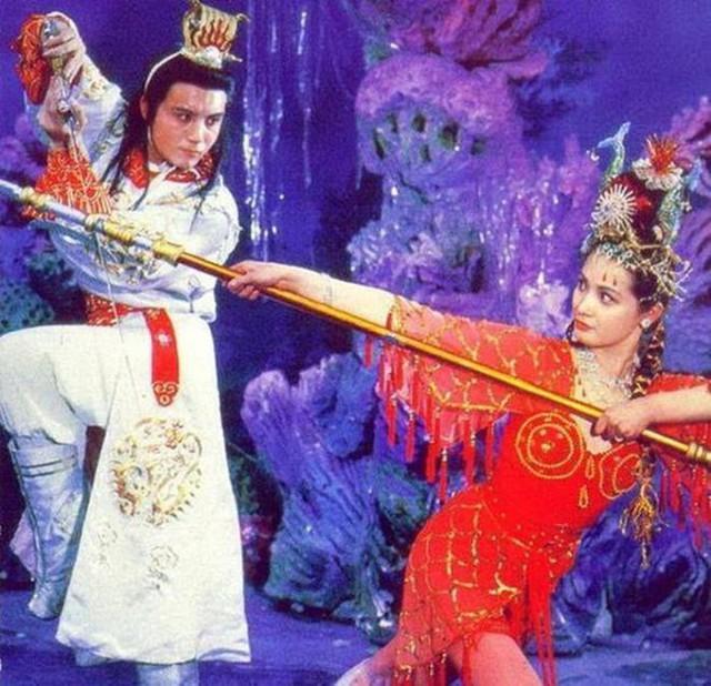 Tây Du Ký 1986 đã lừa khán giả suốt 34 năm, hóa ra những cảnh quay long cung đều là giả trân - Ảnh 1.