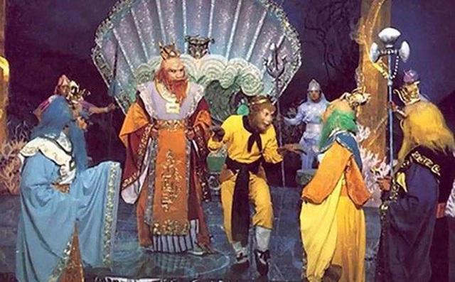 Tây Du Ký 1986 đã lừa khán giả suốt 34 năm, hóa ra những cảnh quay long cung đều là giả trân - Ảnh 2.