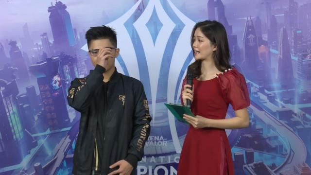 Khoảnh khắc Lai Bâng bật khóc ngay trên sóng, xin lỗi vì sai lầm chí mạng dâng chiến thắng cho MAD Team - Ảnh 4.