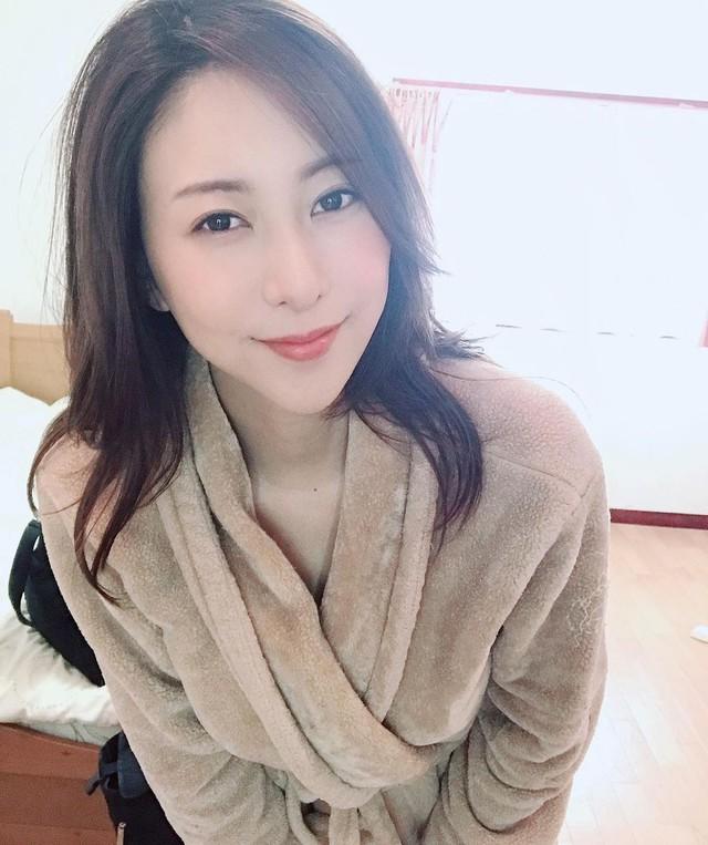 Quyết vượt mặt Yua Mikami, kình địch của thánh nữ chia sẻ: Tôi phải tưởng tượng, xem lại phim của mình rất nhiều để cải thiện kỹ năng - Ảnh 3.