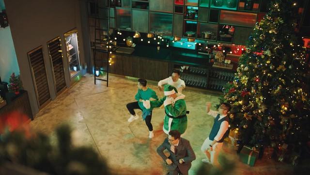 Độ Mixi và dàn streamer tên tuổi bất ngờ hợp tác cùng Rapper nổi tiếng Yuno BigBoi trong MV Giáng Sinh cực chất - Ảnh 7.