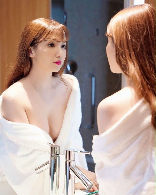 Giống Yua Mikami như tạc, hot girl phim giới hạn tuổi theo nghề 11 năm vẫn không nổi, quyết khổ luyện kỹ năng đặc biệt của bản thân - Ảnh 4.