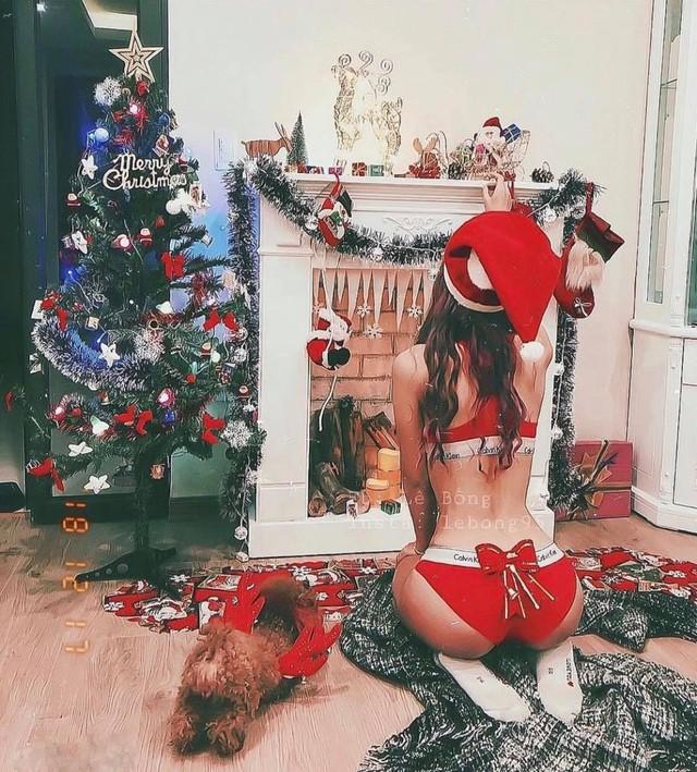 Gái xinh đua nhau cosplay bà già Noel version kiệm vải, thả thính cực nuột khiến anh em nóng người ngay giữa trời đông - Ảnh 4.