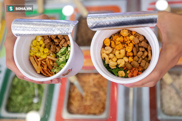 Mì Hảo Hảo tung siêu phẩm: Nhà hàng buffet mì tôm giá chỉ 10.000đồng, tha hồ chọn topping theo sở thích - Ảnh 4.