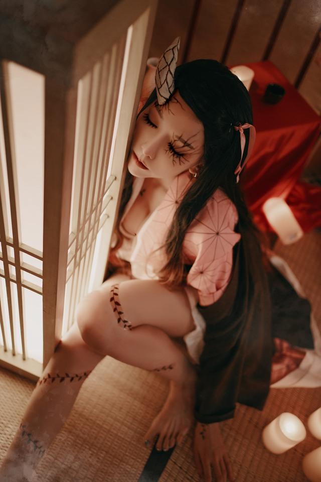 Kimetsu no Yaiba: Ngẩn ngơ ngắm Nezuko phiên bản sexy Photo-1-1607264385290545407931