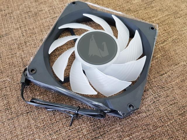 Đánh giá nhanh Aorus Liquid Cooler 360: Tản nhiệt nước đặc trị CPU khủng - Ảnh 6.