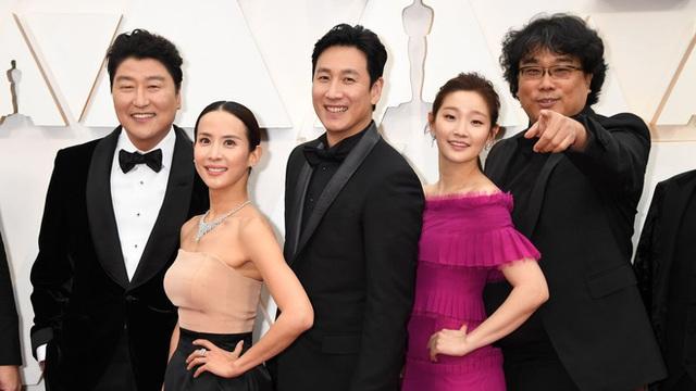Parasite và cú ăn 3 lịch sử tại Oscar 2020: Giải to giải nhỏ đều ẵm trọn, đến chú Bong Joon Ho còn stress - Ảnh 7.