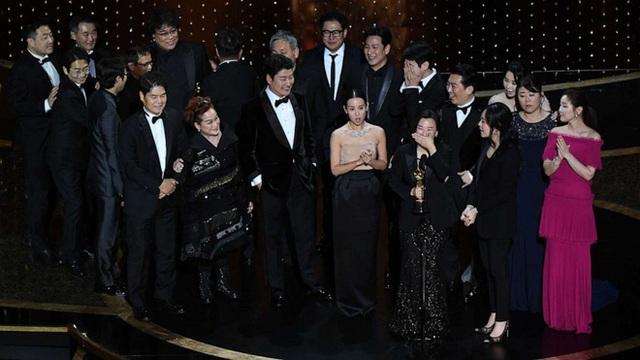 Parasite và cú ăn 3 lịch sử tại Oscar 2020: Giải to giải nhỏ đều ẵm trọn, đến chú Bong Joon Ho còn stress - Ảnh 10.