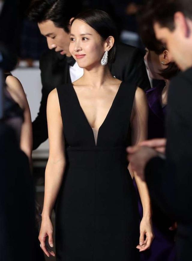 Mỹ nhân Ký sinh trùng Jo Yeo Jeong: Bị bạn trai bỏ vì phim 18+, bố lừa đảo và con đường đến với kỳ tích tượng vàng Oscar - Ảnh 5.