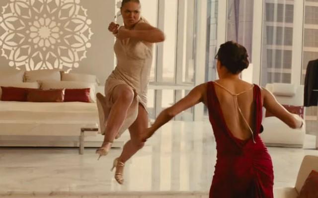 """Nữ đô vật huyền thoại Rhonda Rousey lấn sân sang làm Streamer, ai xem mà chê """"cẩn thận chị vật chết luôn"""" - Ảnh 2."""
