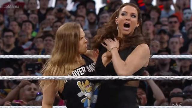 """Nữ đô vật huyền thoại Rhonda Rousey lấn sân sang làm Streamer, ai xem mà chê """"cẩn thận chị vật chết luôn"""" - Ảnh 3."""
