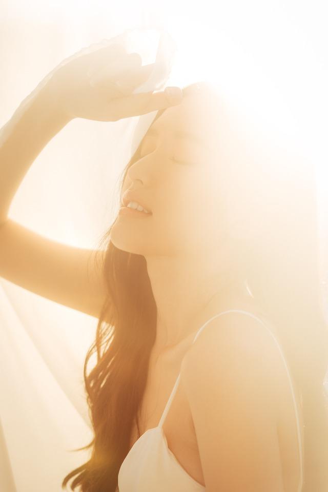 """Streamer ChiChi khoe trọn thân hình nóng bỏng mắt trong bộ ảnh """"Sexy cùng nắng"""" làm fan chao đảo - Ảnh 16."""