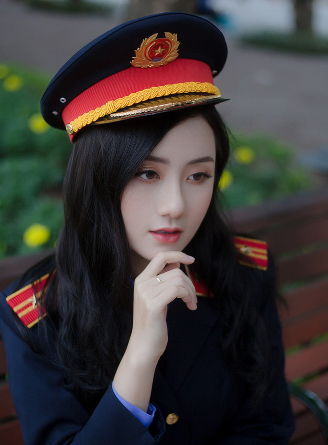 Nữ sinh ĐH Kiểm sát Hà Nội gây thương nhớ với bộ ảnh đồng phục ngành, nhìn phát yêu luôn - Ảnh 3.