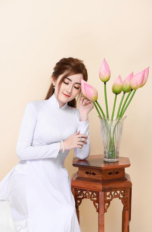 Nữ sinh ĐH Kiểm sát Hà Nội gây thương nhớ với bộ ảnh đồng phục ngành, nhìn phát yêu luôn - Ảnh 8.