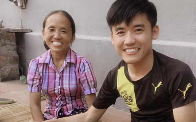 Con trai bà Tân Vlog bị cộng đồng mạng chỉ trích nặng nề, cắn dở thức ăn rồi lại vứt vào nồi nấu như chưa có gì xảy ra - Ảnh 1.