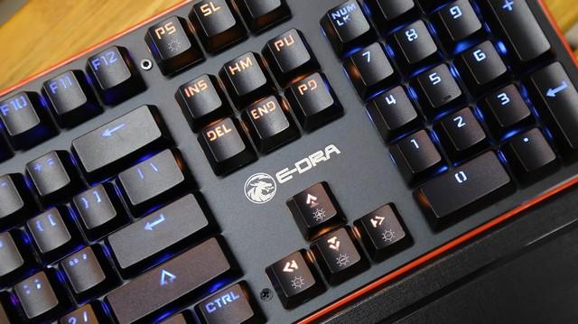 Dùng thử bàn phím cơ bền vô địch E-Dra EK300: Gõ sướng, có kê tay, chống nước... mà giá chỉ 700 nghìn - Ảnh 4.