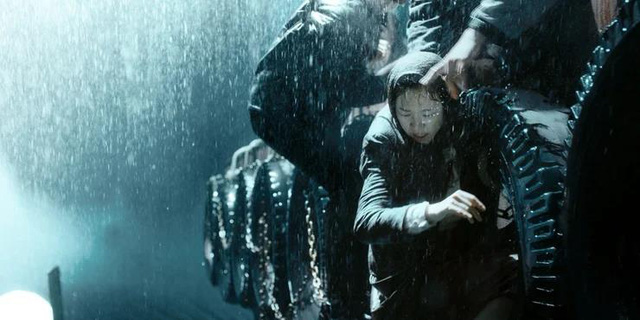 Bên cạnh Ký Sinh Trùng, đây 10 tác phẩm hay dành cho những ai mê phim của đạo diễn Bong Joon-Ho (P.1) - Ảnh 2.