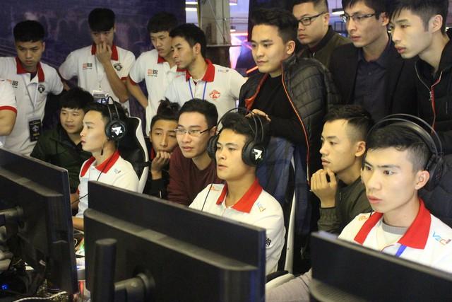 Game thủ AoE Việt: Từ mức lương trên trời của Facebook Gaming đến tương lai mờ mịt? - Ảnh 2.