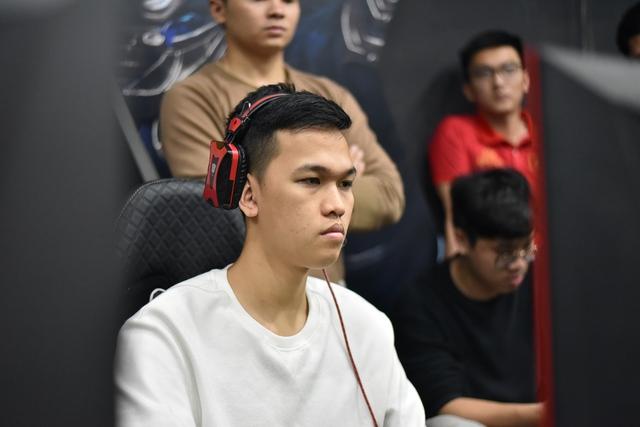 AoE: Dù đang có phong độ khá tệ, Chim Sẻ Đi Nắng vẫn dễ dàng đánh bại game thủ mạnh nhất Trung Quốc - Ảnh 1.