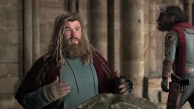 Bụng phệ thôi là chưa đủ, Marvel còn định dìm hàng Thor bằng cách cho anh tè bậy trong Avengers: Endgame - Ảnh 3.