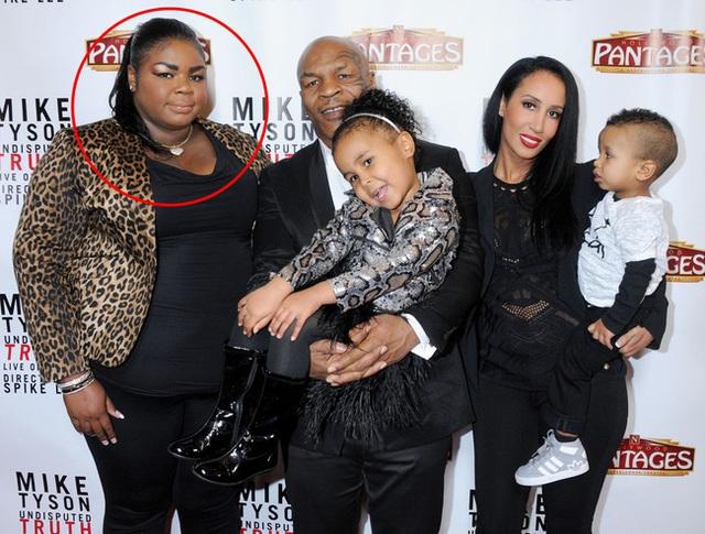 Hình ảnh về cô con gái (khoanh đỏ) mà Mike Tyson đang muốn kén rể cho.