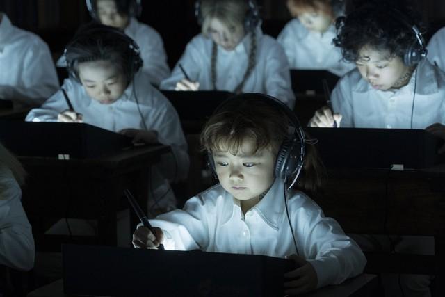 """Live-Action """"The Promised Neverland"""" xác nhận diễn viên thủ vai Mama ở trại trẻ mồ côi - Ảnh 3."""