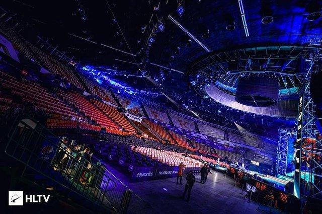 Fan CS:GO thất vọng vì không thể góp mặt cổ vũ trong ngày s1mple tỏa sáng giúp NaVi tiến vào bán kết - Ảnh 1.