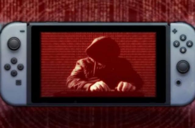 Ập vào nhà hacker tấn công Nintendo Switch, FBI vô tình phát hiện cả kho phim khiêu dâm trẻ em - Ảnh 1.