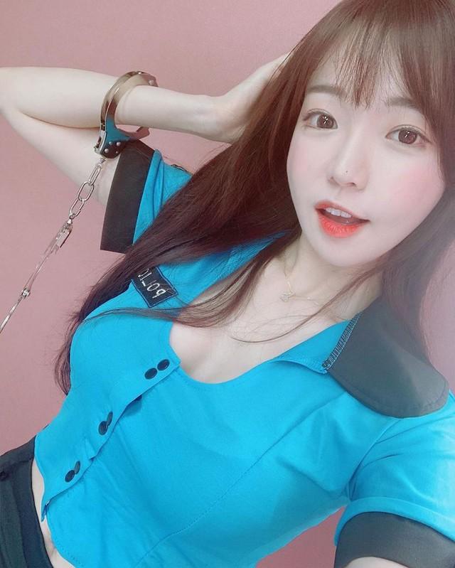 Xuất hiện nữ thần mới của làng streamer Hàn Quốc: Gợi cảm, đa tài, cái gì cũng giỏi - Ảnh 7.