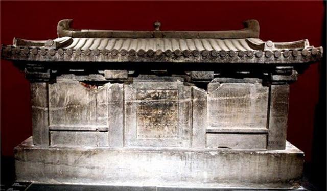 Bí ẩn cạm bẫy siêu trí tuệ của ngôi mộ cổ nguy hiểm nhất thế giới đã chôn vùi 80 kẻ trộm - Ảnh 10.