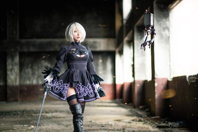 Mướt mắt khi ngắm bộ ảnh cosplay hở bạo về cô nàng 2B trong Nier: Automata - Ảnh 9.