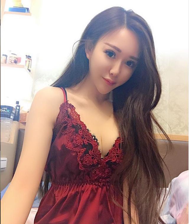 Livestream bán hàng online, cô nàng xinh đẹp bỗng nổi như cồn, thành hot girl chỉ sau một đêm - Ảnh 12.