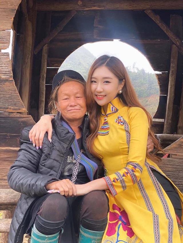 Chân dung nữ ca sĩ người Hàn Quốc gây bão vì khen ngợi bánh mì trên sóng VTV - Ảnh 9.
