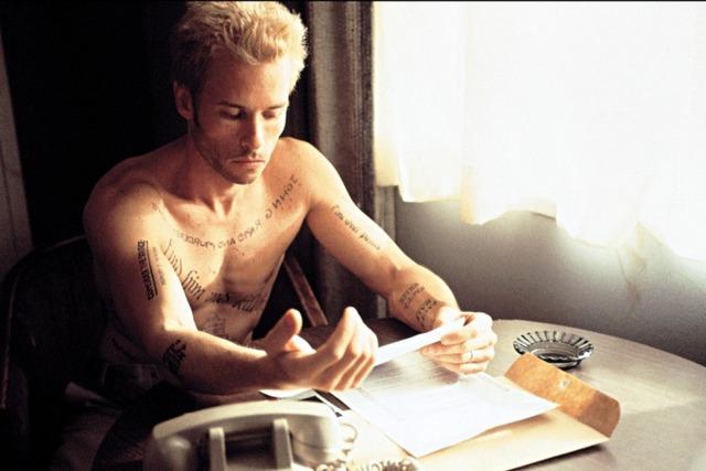 Top 15 bộ phim hại não tuyệt đỉnh dành cho những người thông minh rèn luyện trong những ngày nghỉ trốn dịch - Ảnh 2.
