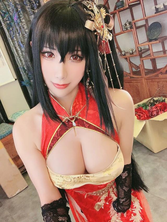 Lịm tim khi ngắm ảnh cosplay nàng waifu nổi tiếng trong tựa game mobile Azur Lane - Ảnh 1.