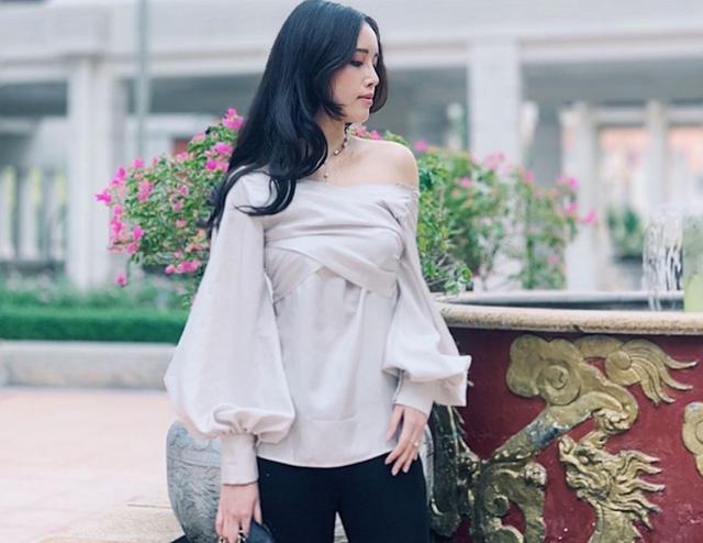 Chiêm ngưỡng vẻ đẹp sắc sảo không thể rời mắt của em gái Hoa hậu Việt Nam 2006 - Ảnh 4.