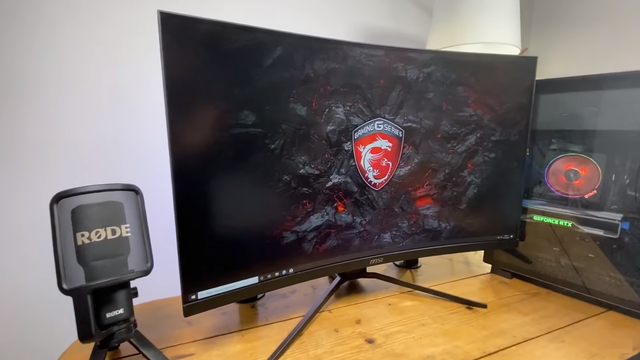 MSI Optix MAG 322CQRV - Experience the ultimate 144Hz curved screen for gamers - Image 3.