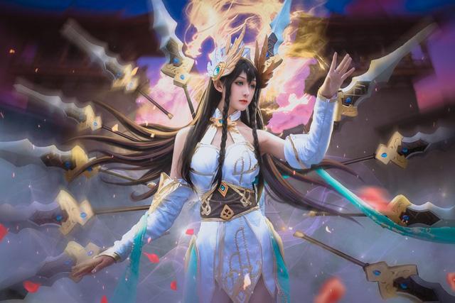 LMHT: Choáng váng vì vẻ đẹp tựa thần tiên tỉ tỉ trong bộ cosplay Irelia Tiên Kiếm của nữ game thủ Trung Quốc - Ảnh 2.