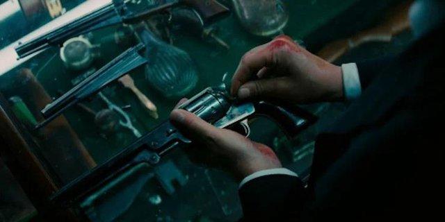 Top 10 món vũ khí được sát thủ lừng danh John Wick sử dụng trong phim (P.1) - Ảnh 2.