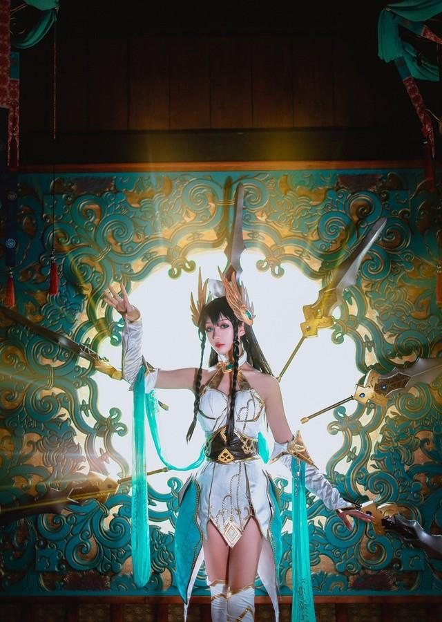 LMHT: Choáng váng vì vẻ đẹp tựa thần tiên tỉ tỉ trong bộ cosplay Irelia Tiên Kiếm của nữ game thủ Trung Quốc - Ảnh 13.