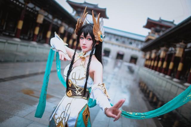 LMHT: Choáng váng vì vẻ đẹp tựa thần tiên tỉ tỉ trong bộ cosplay Irelia Tiên Kiếm của nữ game thủ Trung Quốc - Ảnh 9.