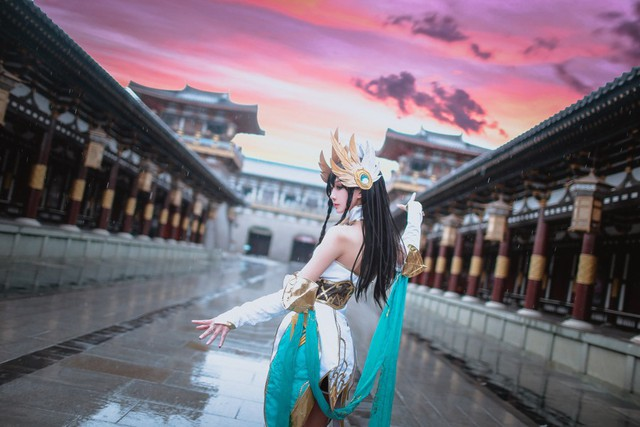 LMHT: Choáng váng vì vẻ đẹp tựa thần tiên tỉ tỉ trong bộ cosplay Irelia Tiên Kiếm của nữ game thủ Trung Quốc - Ảnh 11.
