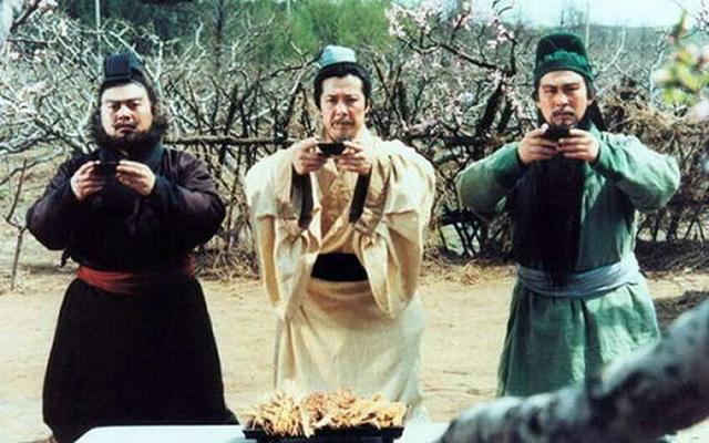 Ẩn ý đằng sau hành động uống rượu đập bát của cổ nhân Trung Hoa - Ảnh 2.
